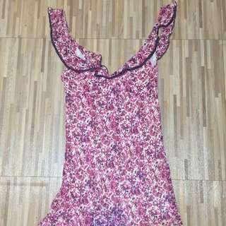 粉色V領洋裝