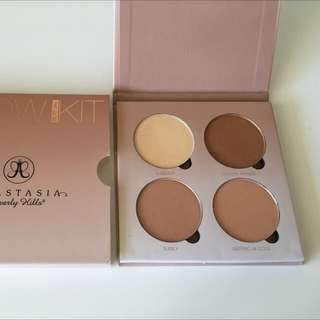 AUTHENTIC Anastasia Beverly Hills Glow Kit In That Glow