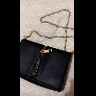 FOREVER NEW BLACK CLUTCH