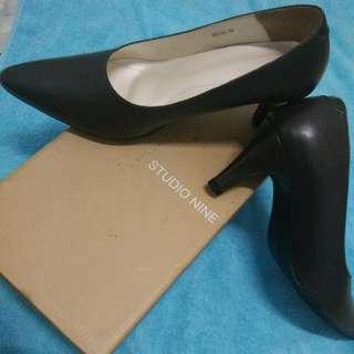 Reprice:!!! Studio nine heels