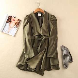 全新 簡約純色大翻領墨綠色墊肩西裝風衣外套(轉賣)