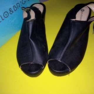 Lollo & Brigida Black Clogs