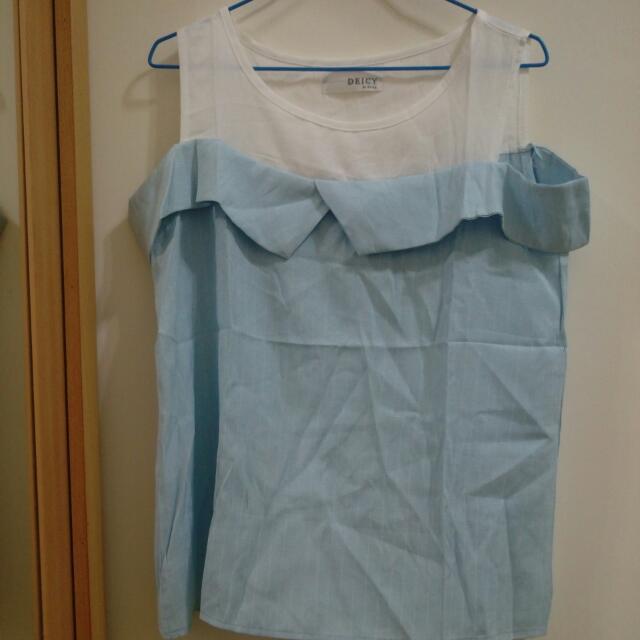 假兩件條紋水藍露肩上衣