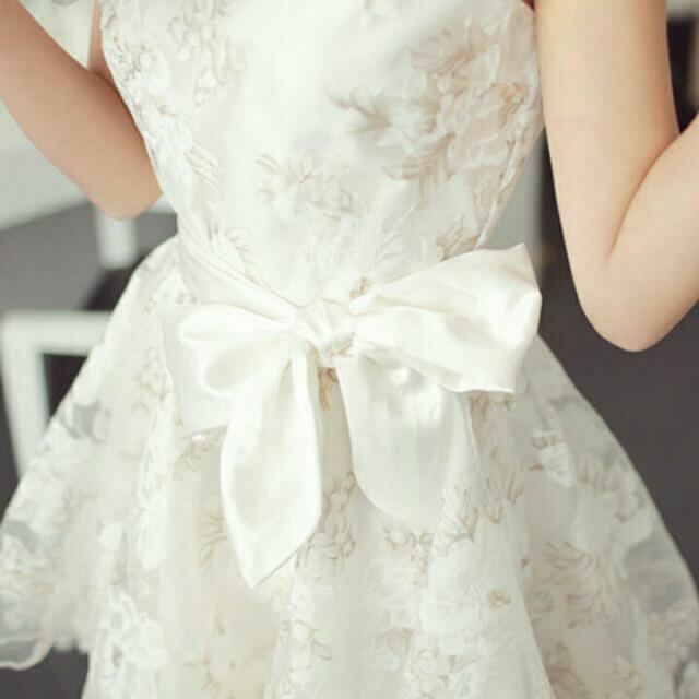 (降價求賣出)唯美蕾絲綁帶連身裙
