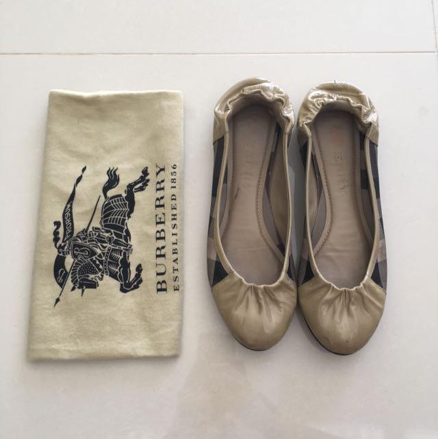 AUTHENTIC Burberry Ballerinas