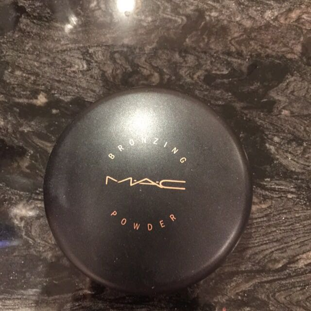 Authentic MAC Bronzer