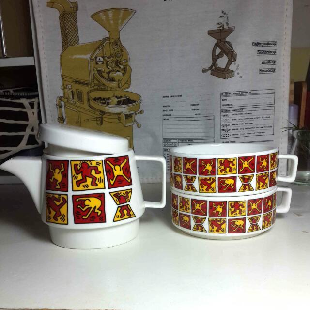 Keith Haring 塗鴉瓷壺杯組 #幫我除舊佈新 #好想找到對的人