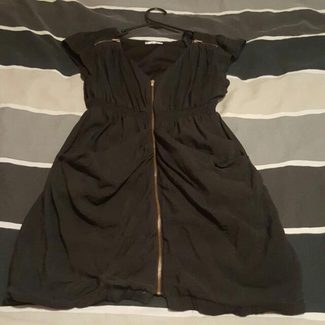 Ladies Size 10 Zipper Dress