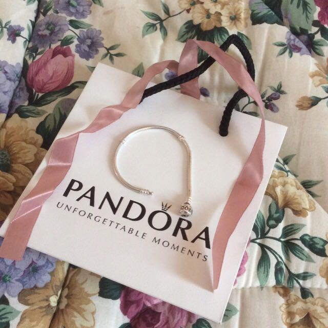 PANDORA charm bracelet with clasp: