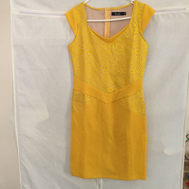 Yellow Dress Size M