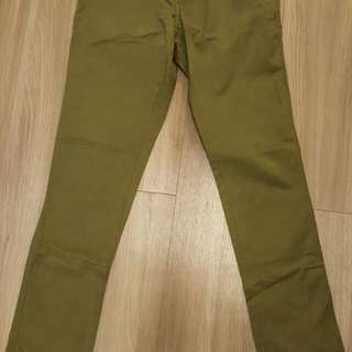 Pull & Bear Khaki Pants