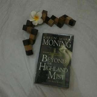 Historical Novel Oleh Karen Marie - Beyond The Hingland Mist