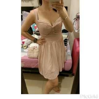 性感深V胸口抓皺蝴蝶結粉紅洋裝連身裙