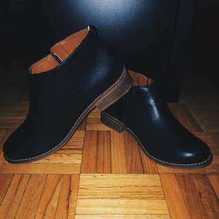👟 | BNWT Fall Ankle Leather Booties