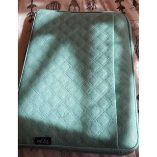 13 inch laptop case (TYPO)
