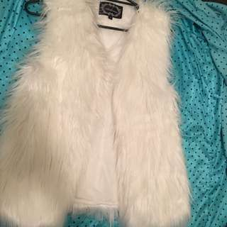 Women's M Faux Fur Vest