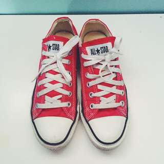 Red Converse Size 7.5 Women's