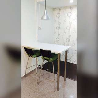 High Table With 2 High Chairs With Lamp Set
