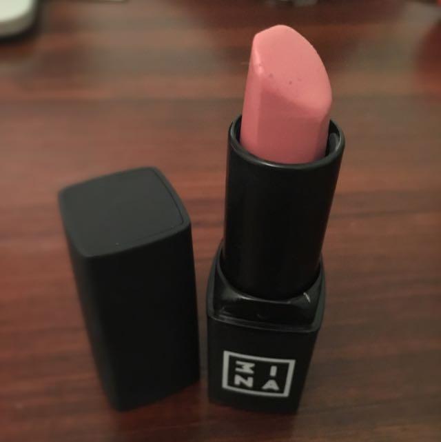 3INA pink lipstick