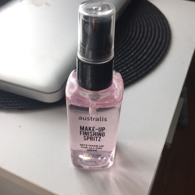 Australis Make Up Finishing Spritz
