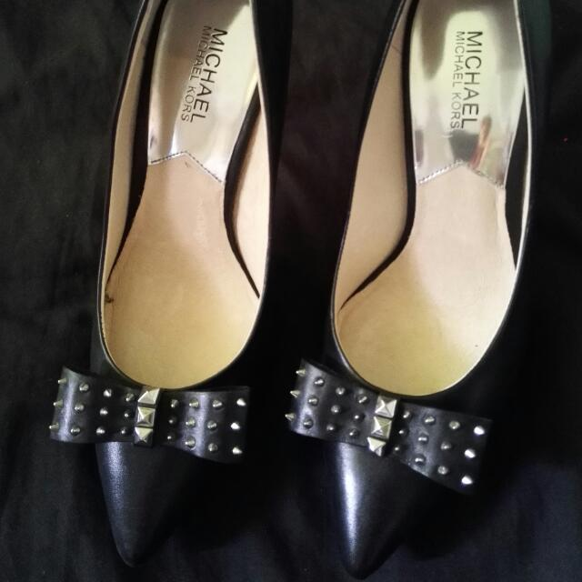 Authentic Michael Kors Shoes Size 39