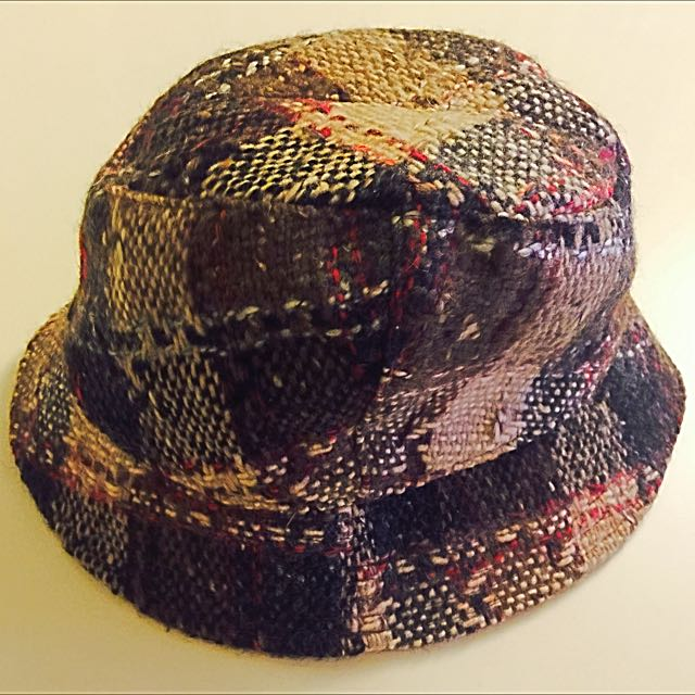 BURBERRY 100% WOOL BROWN CHARCOAL NOVA CHECK LONDON BUCKET HAT ... 3d5083d84c5