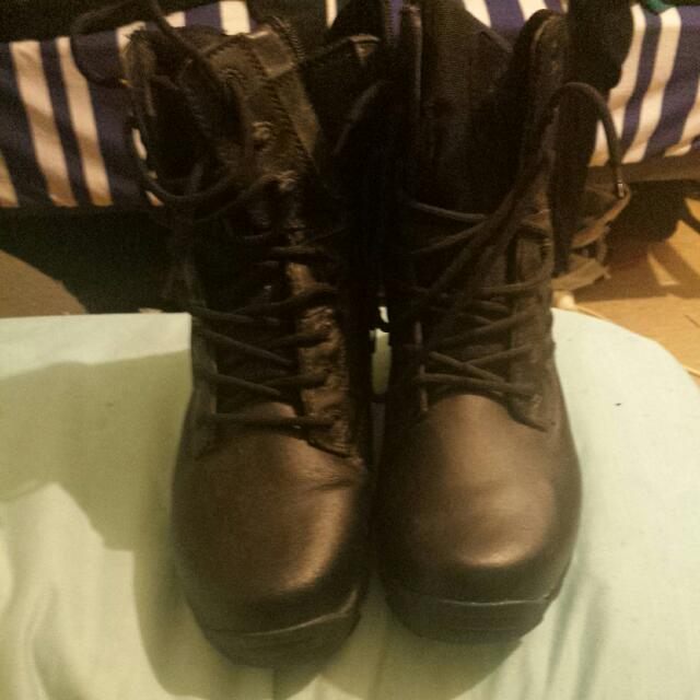 *Price Drop*MENS SIZE 9 SECURITY BOOTS