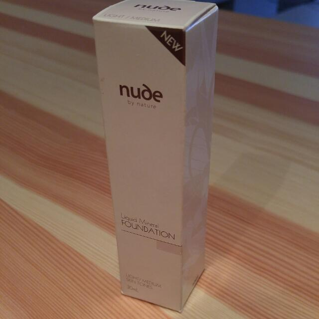 Nude Foundation Light /medium 30ml