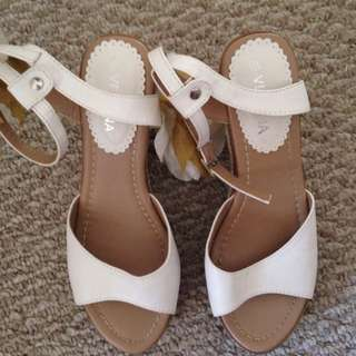 White Flower Accented High heels