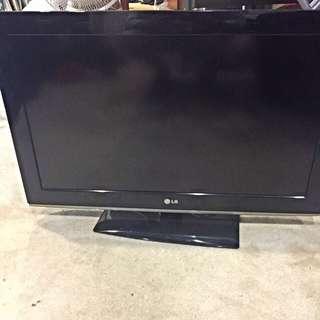 30 INCH HDTV