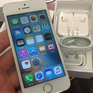 APPLE IPHONE 5S 32gb UNLOCKED WORLD WIDE GOLD