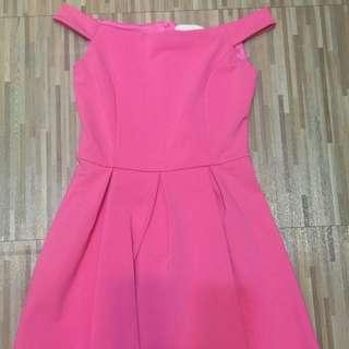粉紅色平口洋裝