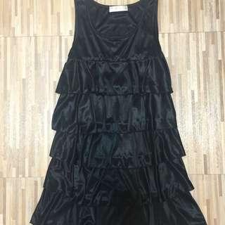 黑色蛋糕裙連身洋裝