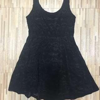 黑色蕾絲小洋裝