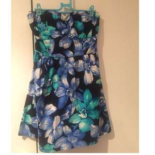 Floral Dress size:Medium