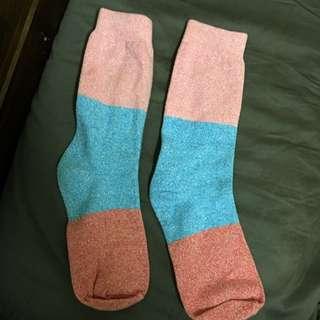 /含郵寄運/ 襪子