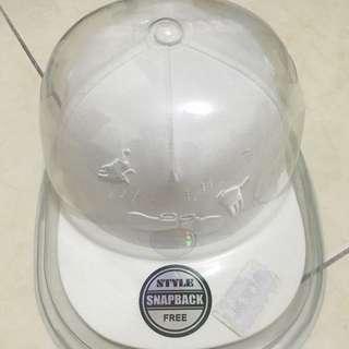 snapback白色棒球帽