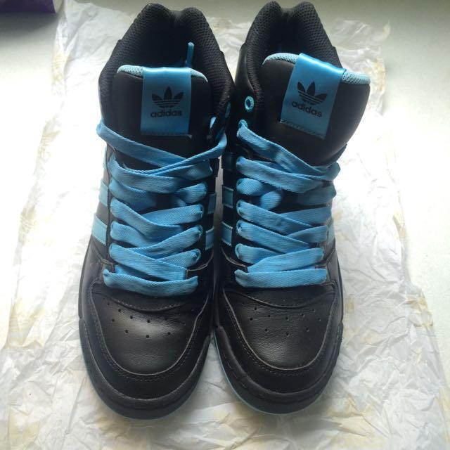 Adidas 復古高筒運動鞋