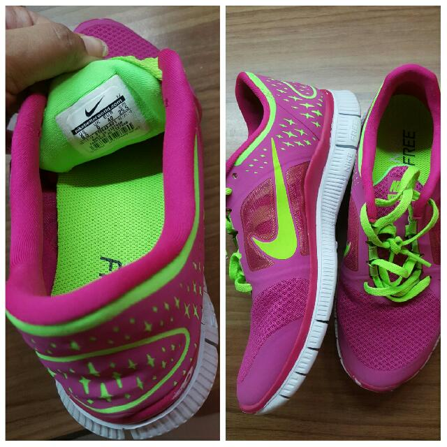 d358b153009a Authentic NIKE preloved Sport Shoe