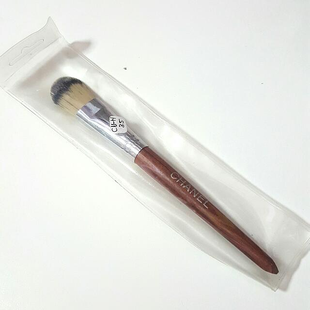 Flat Foundation Brush (Instock)