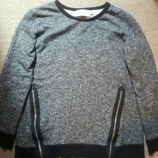 Long Sleeve Top/Sweater