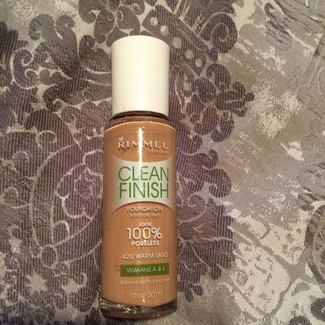 Rimmel Clean Finish Foundation Warm Sand
