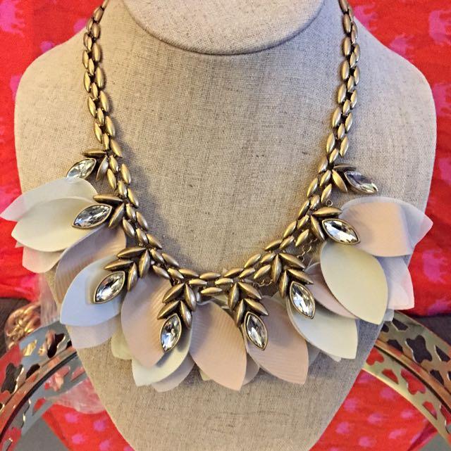 Stella & Dot Gold Necklace