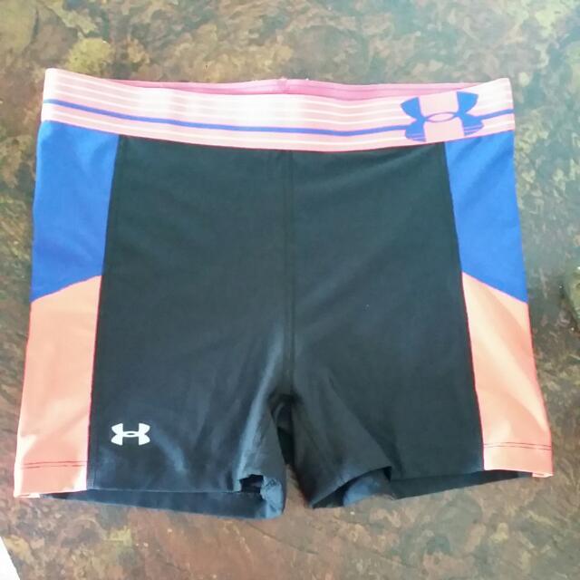 Under Armor Women's Shorts size S