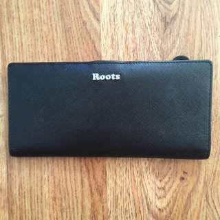 **RESERVED** ROOTS WALLET