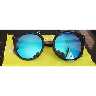 Glasses With Hard Case