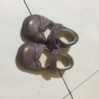 kids clarks shoes size 4