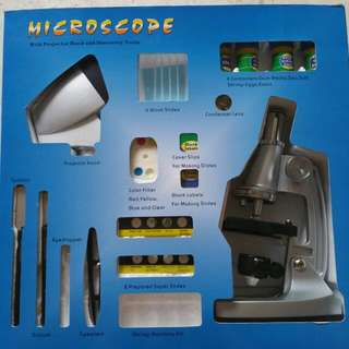 Microscope With Projector Hood And Discovery Tools.  Discovery TMPZ - C1200 Educational Microscope