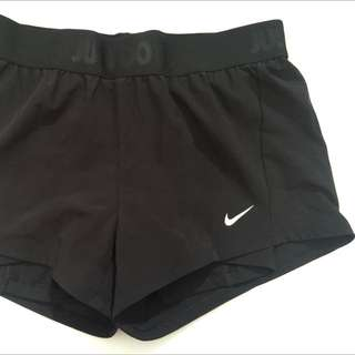 Nike Dri Fit Small Shorts Black