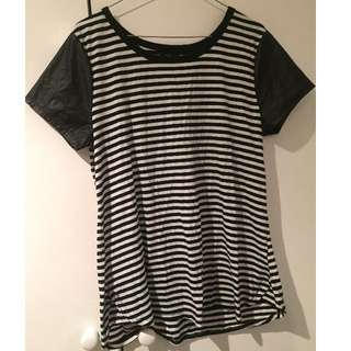 Striped T-shirt size:Large